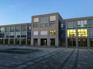 Collège de Grand Champ depuis la cour de récréation